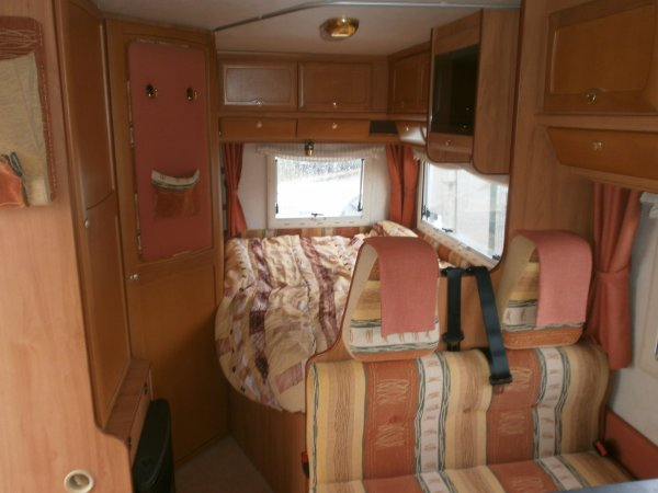 moncayo 421 camping car occasion orleans caravanes services 45. Black Bedroom Furniture Sets. Home Design Ideas